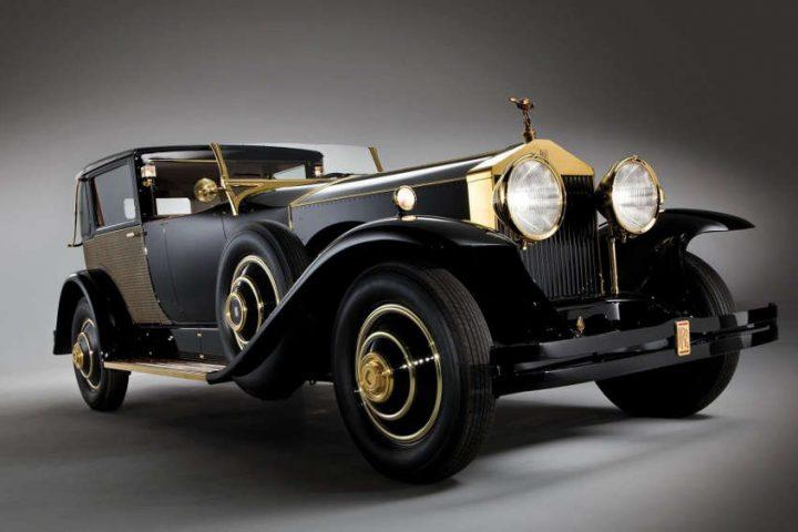 Photo représentant un modèle de Rolls-Royce des années 30 Jewpop