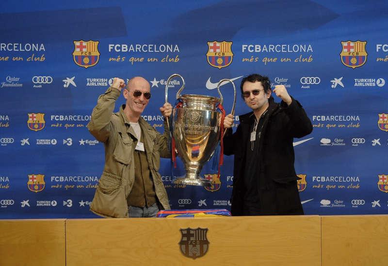 Photo représentant Jewpop et Jewsalsa au stade de Camp Nou à Barcelone Jewpop