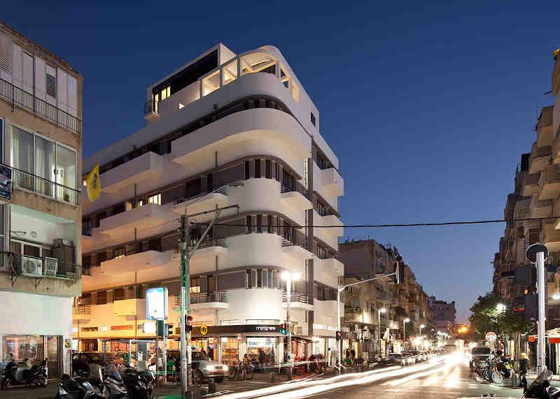 Photo représentant un immmeuble de style Bauhaus à Tel-Aviv Jewpop