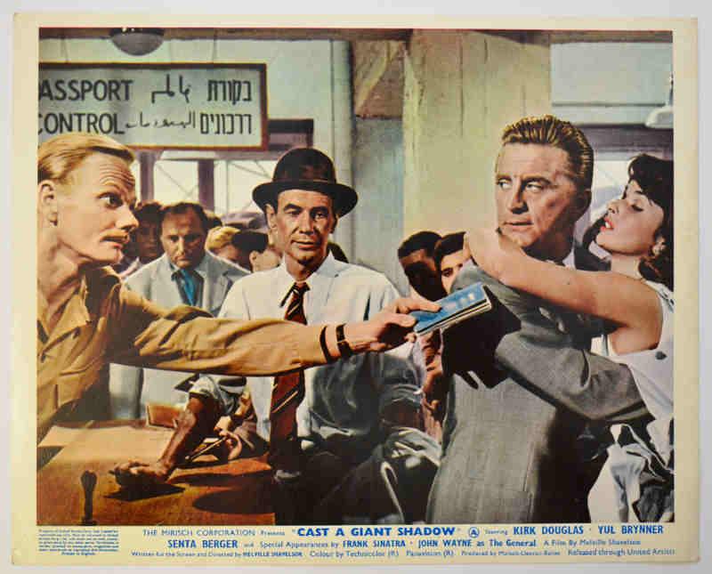 Photo de presse du film L'ombre d'un géant Kirk Douglas Jewpop