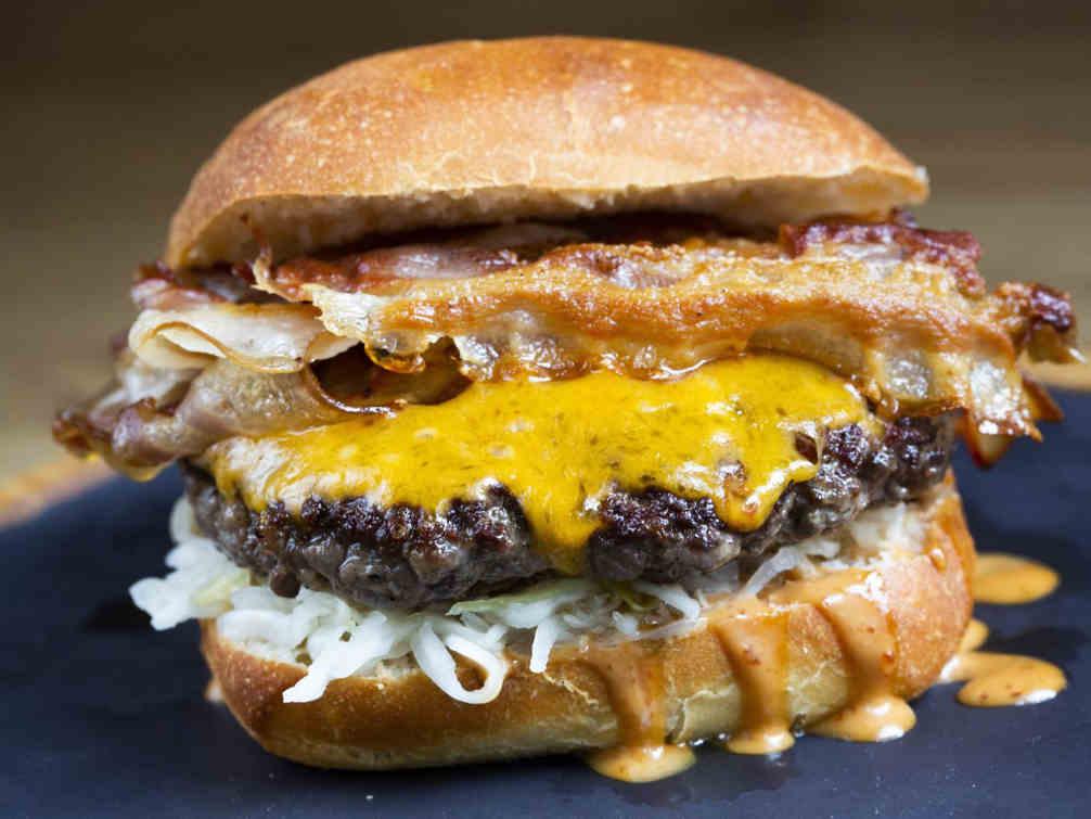 Cheeseburger bacon casher Hudson Jewpop