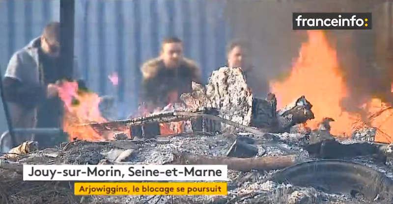 Capture d'écran YouTube d'un reportage sur la grève Arjowwings Jewpop