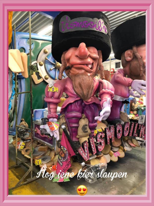 Photo représentant un char de carnaval antisémite à Alost Jewpop