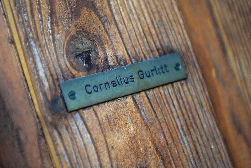 Photo représentant la plaque d'entrée de l'appartement de Cornelius Gurlitt Jewpop