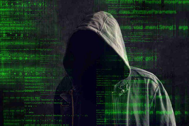 Photo représentant un hacker du Dark Web Jewpop