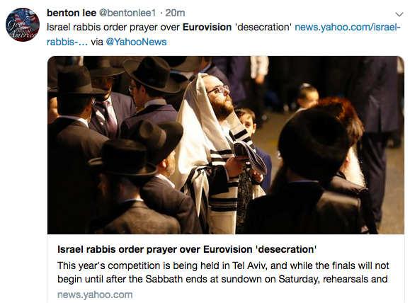 Photo représentant des juifs religieux priant Eurovision Jewpop