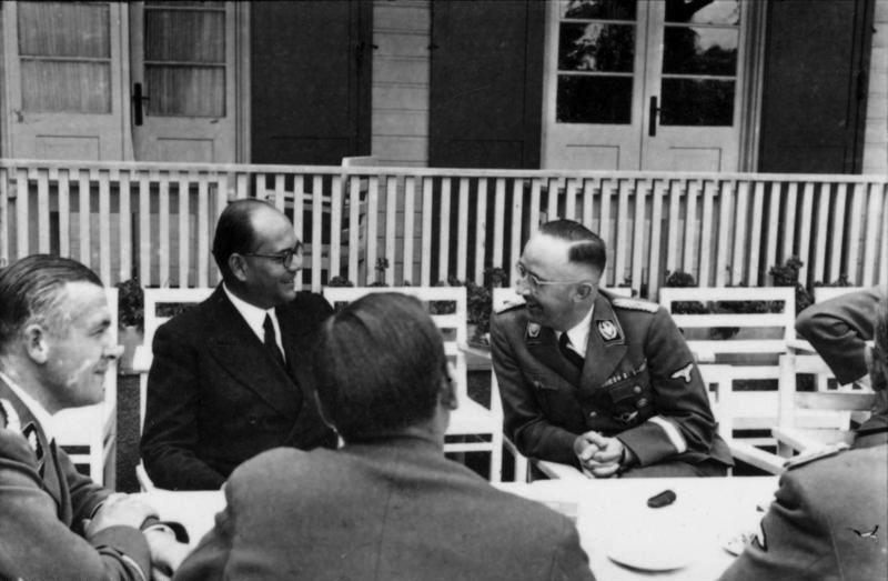 Photo représentant Chandra Bose et Heinrich Himmler Inde Jewpop