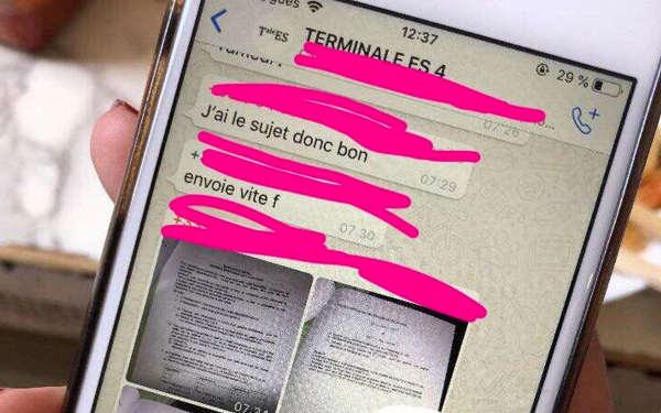 Photo représentant un smartphone avec des messages fuites du bac Jewpop