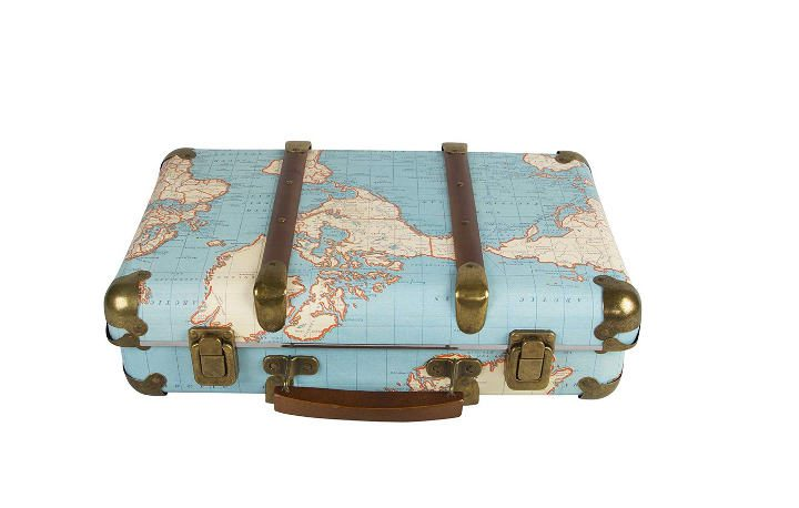 Photo d'une valise imprimée d'une mappemonde Asie Jewpop