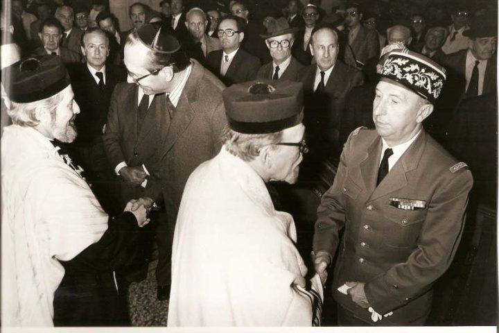 Photo représentant Jacques Chirac avec Jacob Kaplan Jewpop