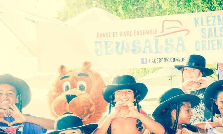 Photo d'enfants à Paris Plage Jewsalsa Jewpop