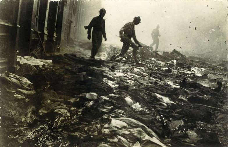 Photo prise après le pogrom de Constantine du 5 août 1934 Mahj Jewpop