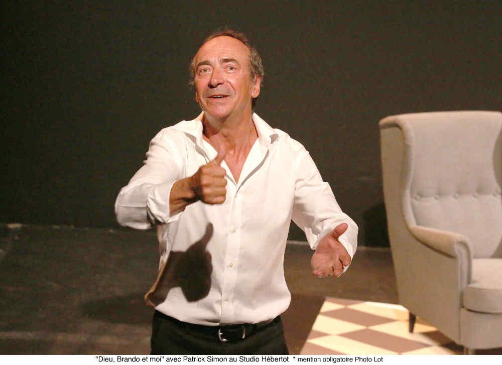 Photo de Patrick Simon dans la pièce Dieu Brando et moi jewpop