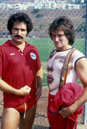 Photo de Gabe Kaplan et Robin Williams dans le show tv Battle of the Networks Stars Jewpop