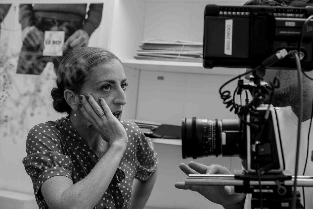 Camille Nahum, photo de tournage du court-métrage Le bureau des couilles perdues Jewpop