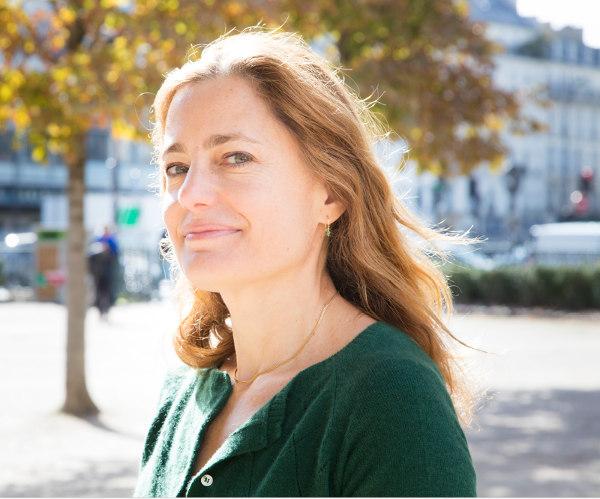 Photo de la romancière Colombe Schneck Jewpop